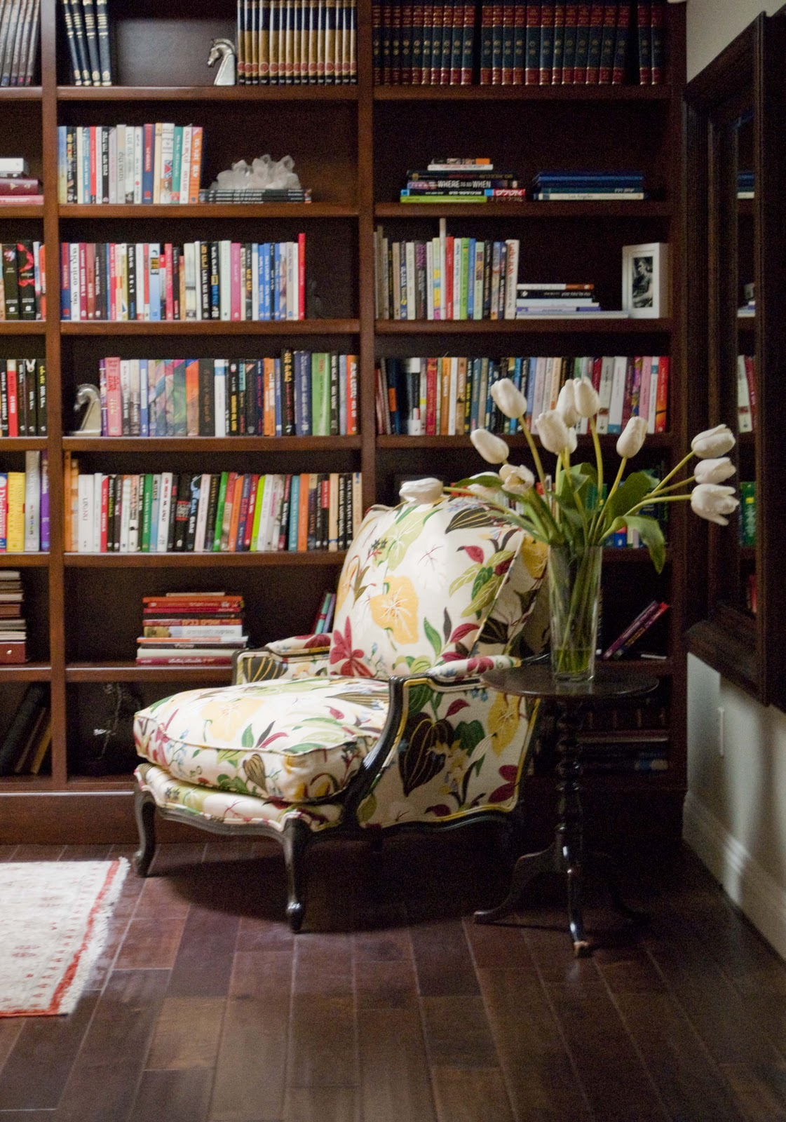 The Most Comfortable Reading Chair That Perks Up Your ...