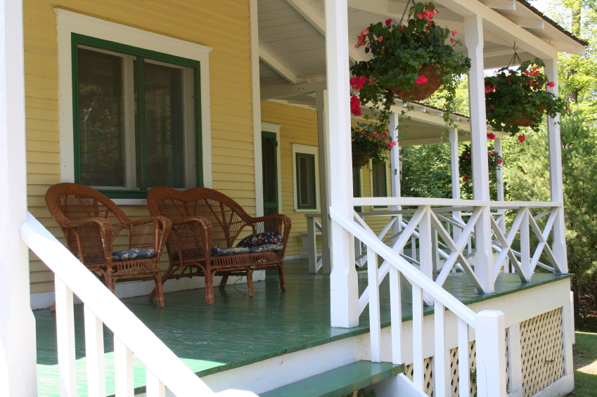 Country home design with wraparound porch homesfeed for Country style homes with porches