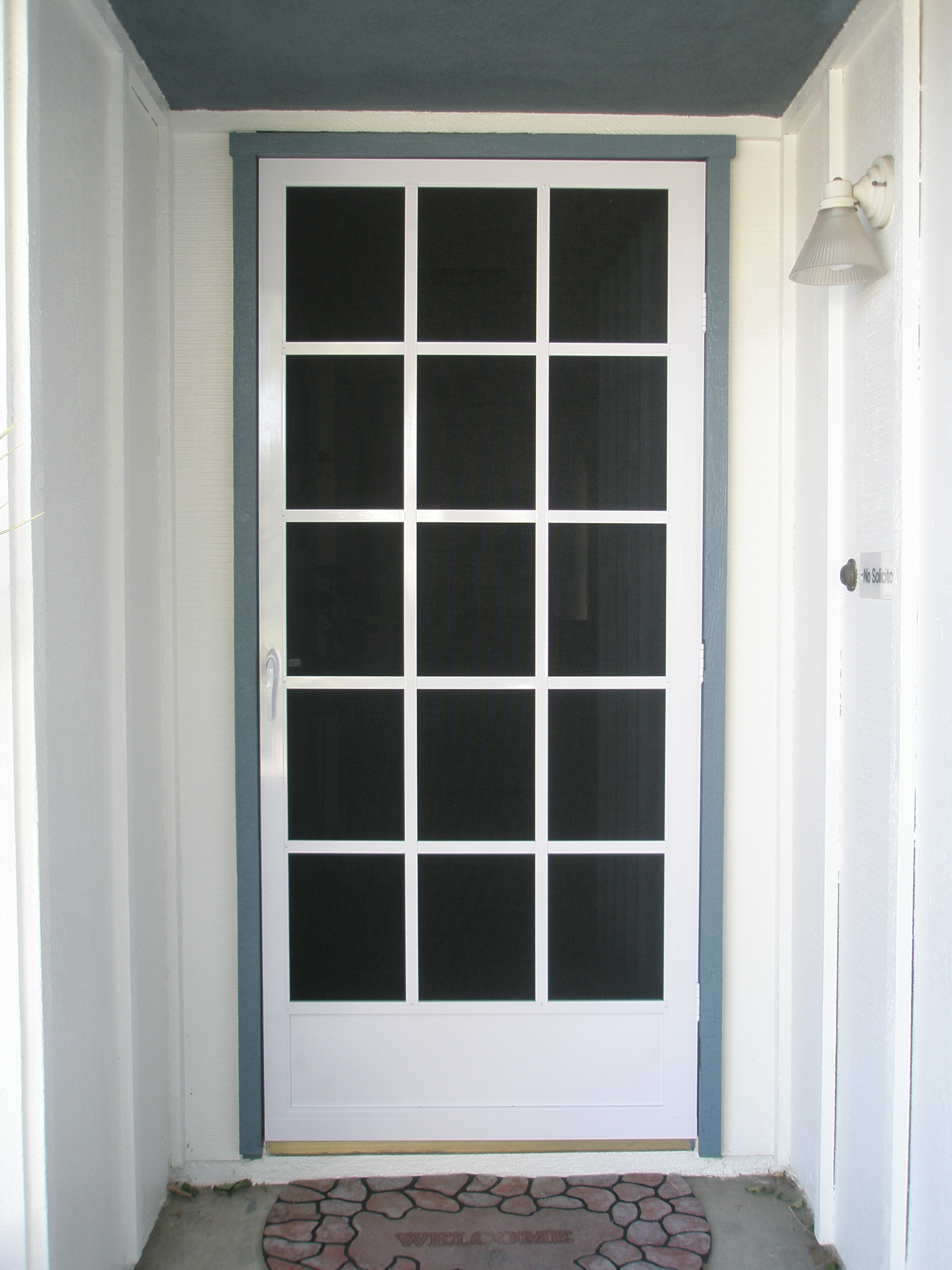 Glass door screen doors windows screens doors larson for Screen door for sliding glass door