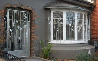 security glass screen door with beautiful crafts