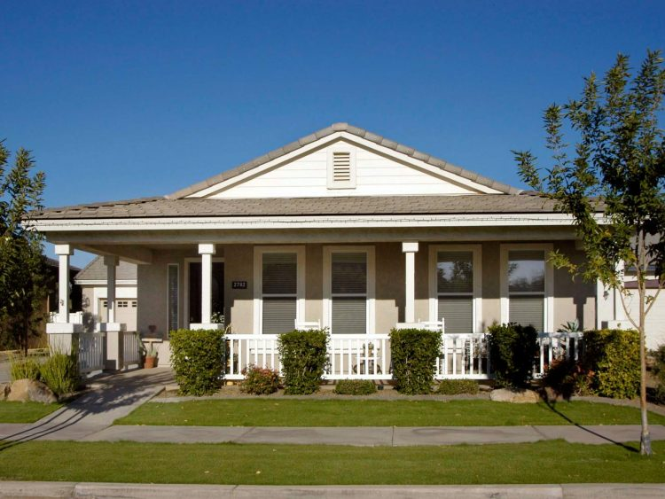 How to design front porch designs for ranch style homes homesfeed - Traditional house plans with porches property ...
