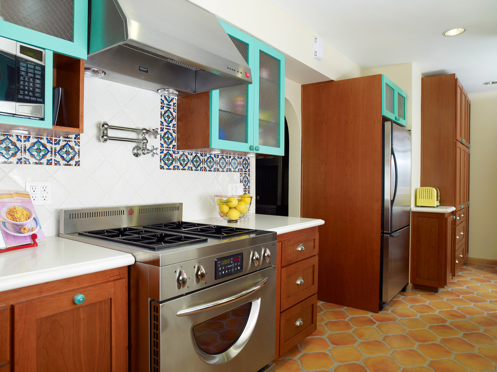 Get your kitchen bathed with awe with the touch of gorgeous spanish tile backsplash homesfeed Kitchen design of tiles
