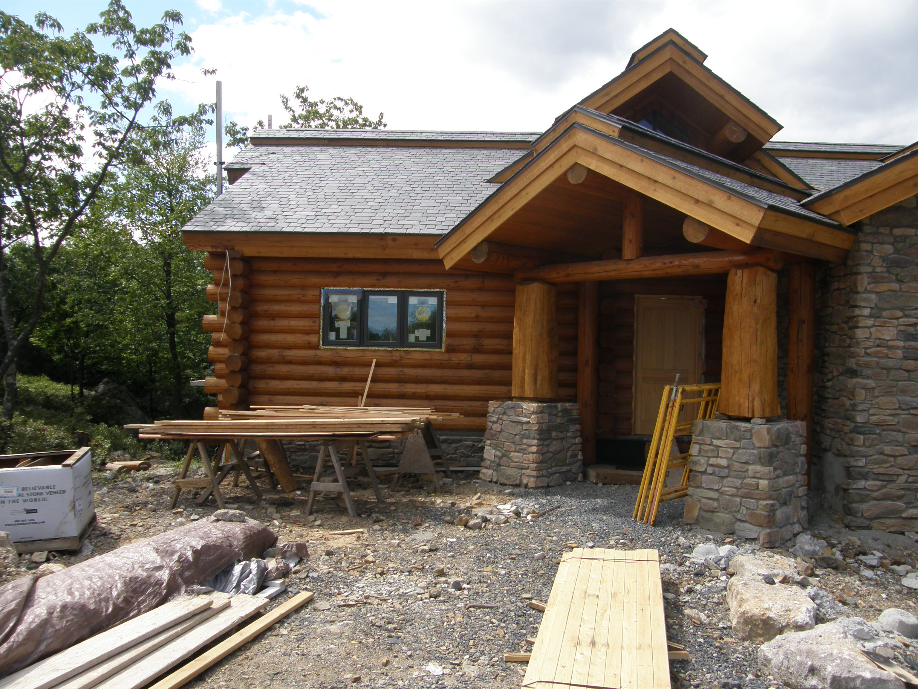 Log homes plans and designs homesfeed for Log and stone home plans