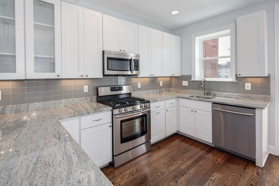 Cashmere white granite touches kitchen interior with unlimited sophitication homesfeed - Kitchen designs unlimited ...