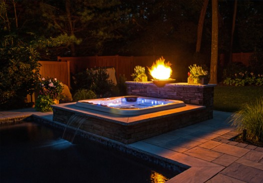 Some Stylish Modern Built In Hot Tub Design That Will Make