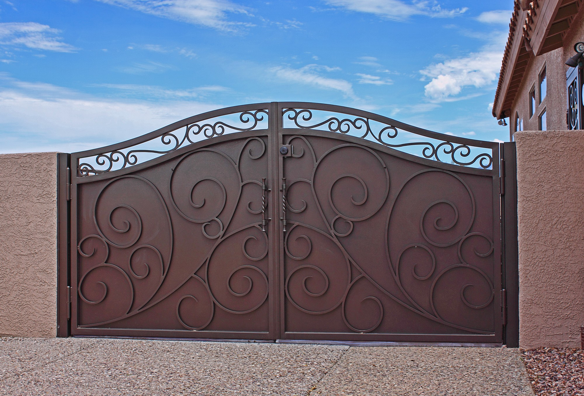 Beau Wrought Iron Main Gate For Homes With Metal Panel