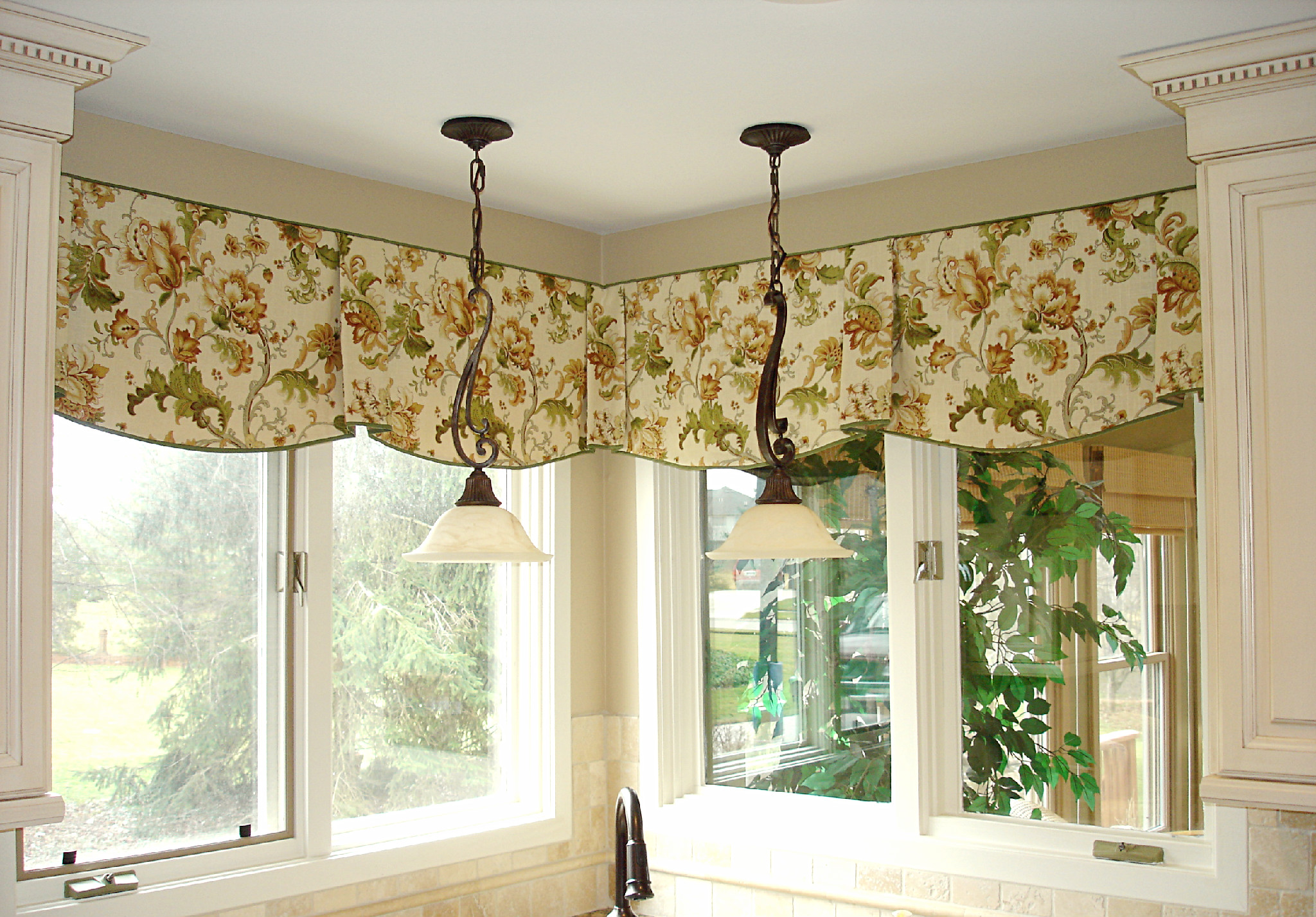 Window Curtain Decorating Ideas: Corner Window Curtains: Styles Of Decorating Ideas