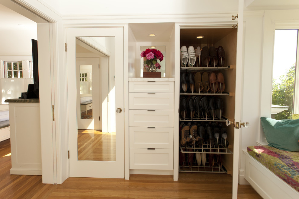 Built In Closet Storage Systems And The