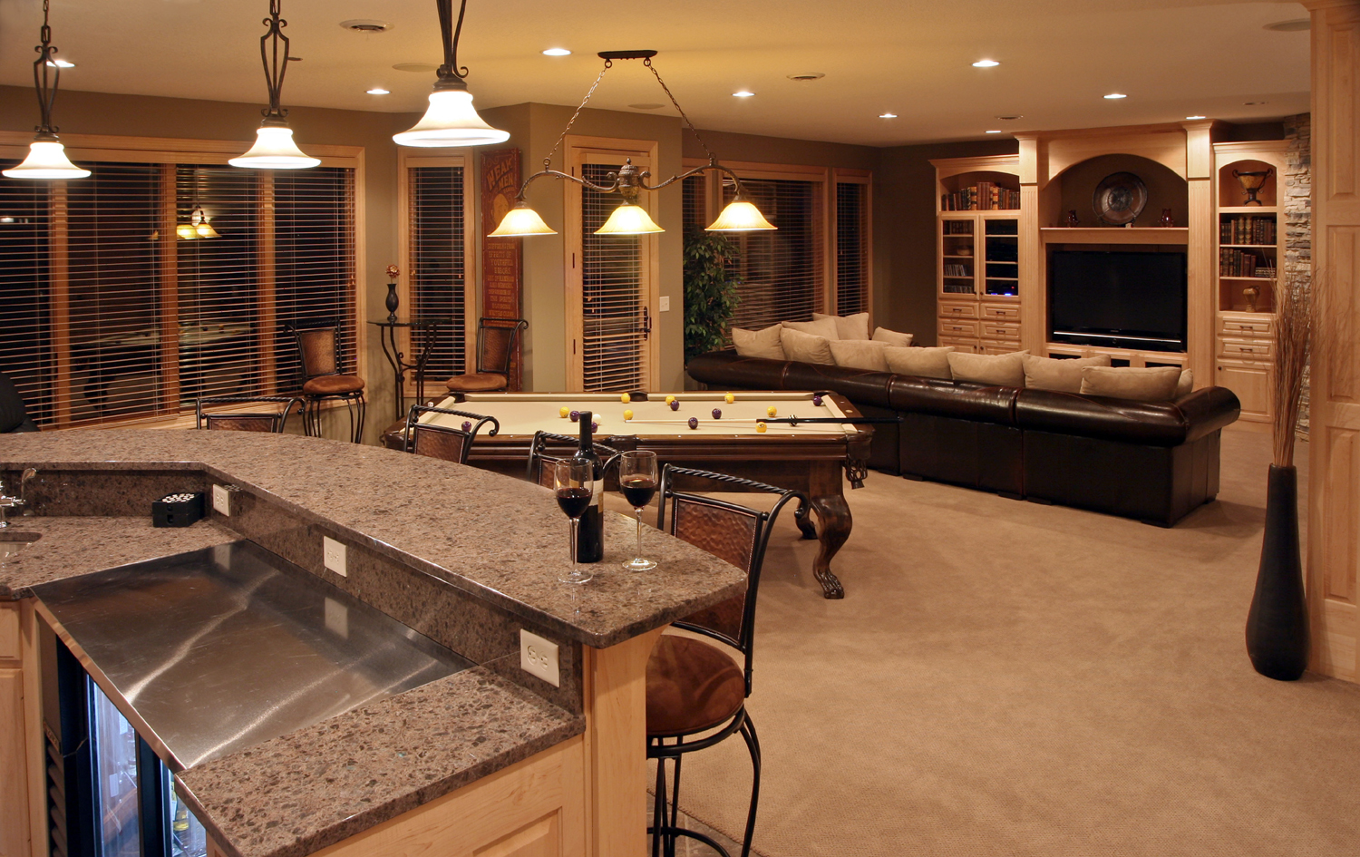 Basement kids game room - Classic Pendant Lighting Fixtures For Basement That Is Upgraded Into Open Space For Basement Bar Game