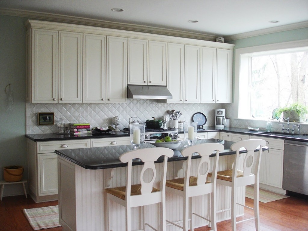 White kitchen backsplash ideas homesfeed - Black and white tile kitchen backsplash ...
