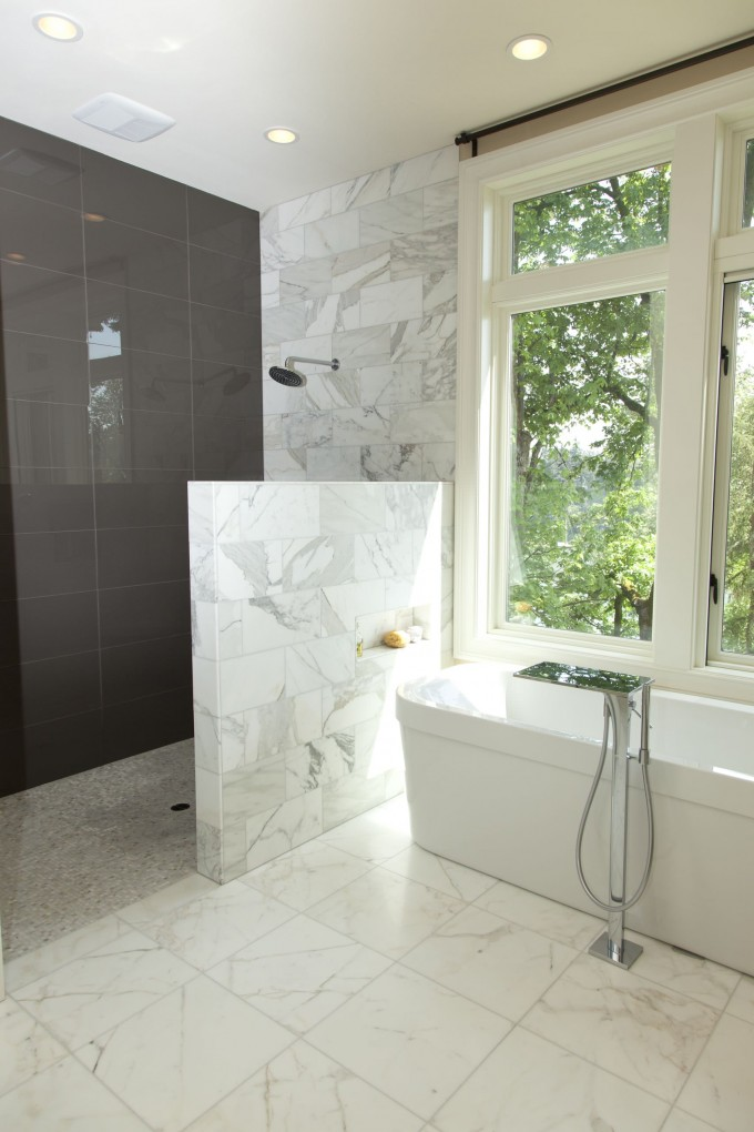 Walk in shower without door in recent homesfeed for Bathroom designs open showers