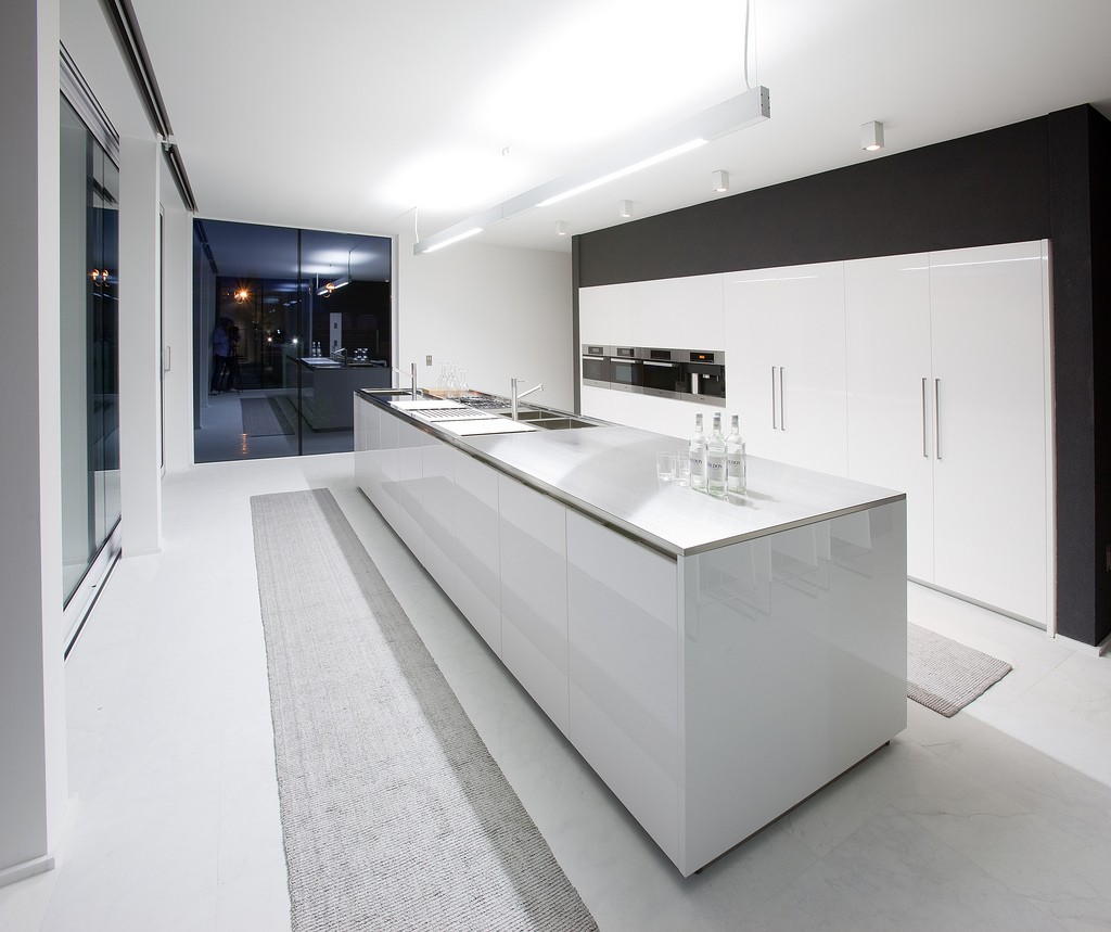 Ultra modern kitchen styles homesfeed for Modern desig