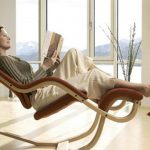 Gravity balance chair for reading