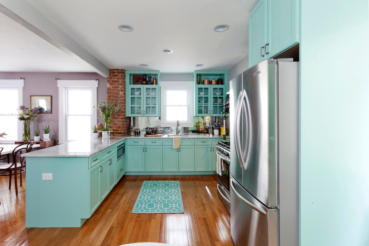 L Shaped Kitchen Set With Teal Cabinetry And Upper Shelves Glass Door White Porcelain
