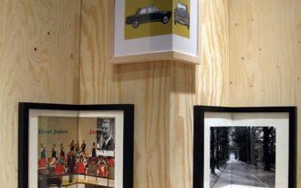 Marvelous picture frames as corner decoration