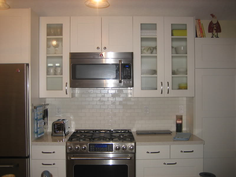 Ikea Weinregal Faktum Perfekt ~ Most common white ceramic subway tiles backsplash in kitchen modern