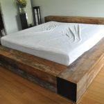 Simple platform bed furniture in rustic style simple white bedding