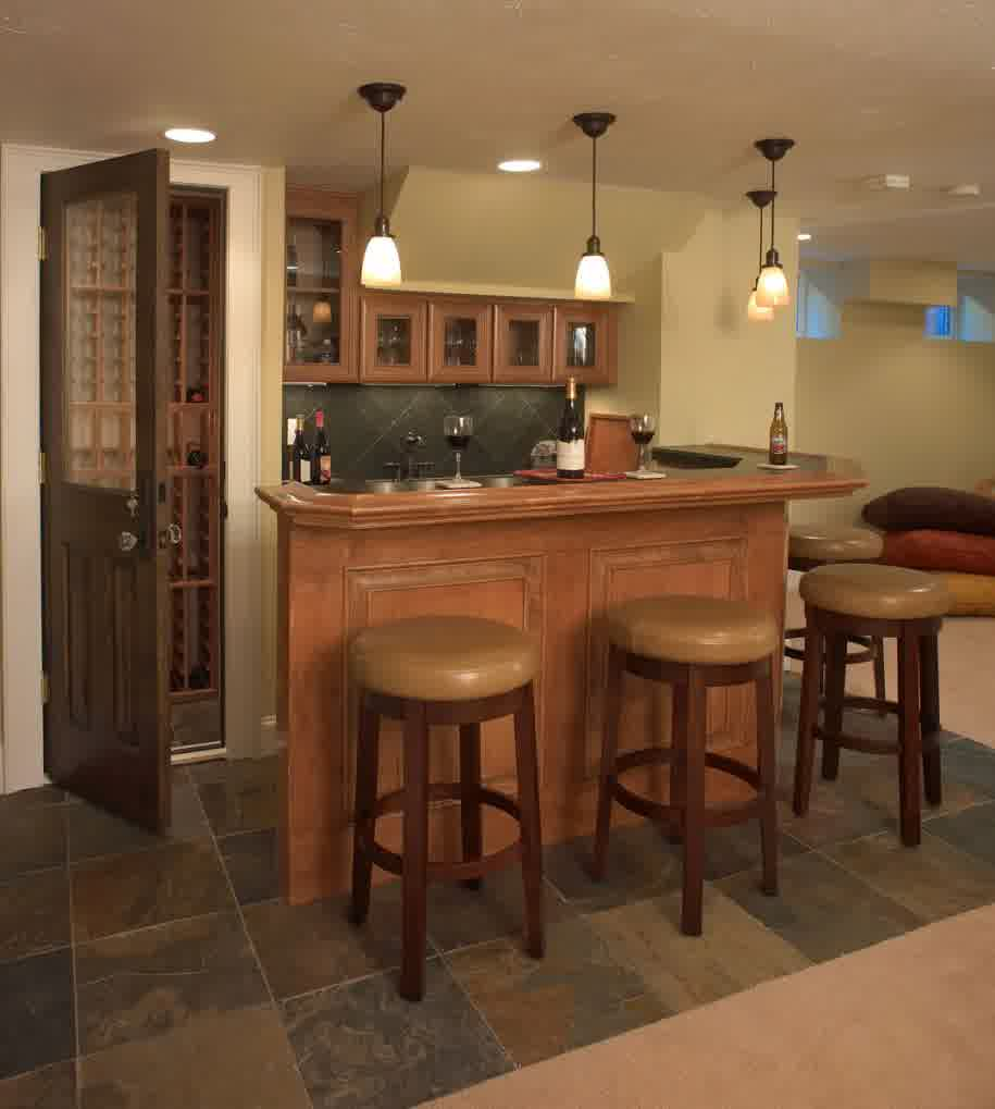 Small basement bar ideas homesfeed for Small corner bar designs