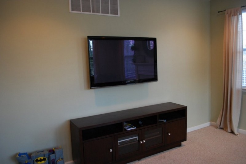 Mounted tv ideas how to decorate them beautifully homesfeed - Hanging tv on wall ideas ...