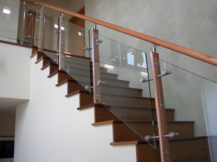 Wooden Handrail With High Quality Glass Rail Panel