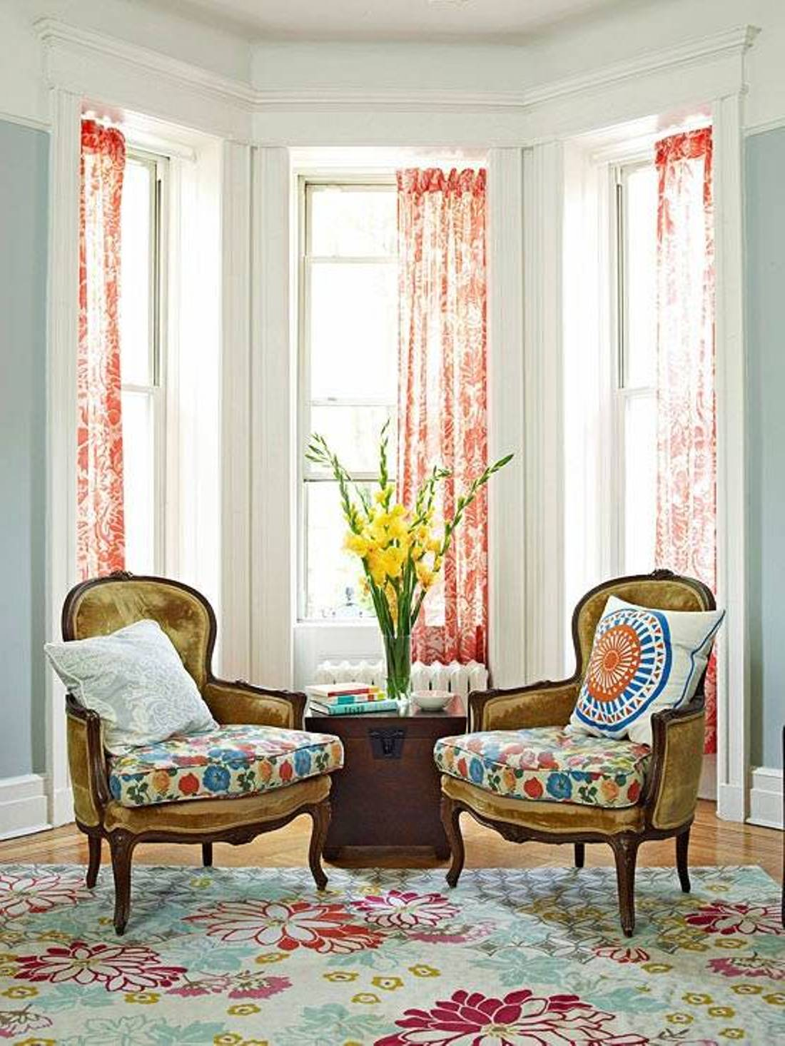 Change sofa look only by beautifying it with throw pillow for Curtain ideas for living room 2012