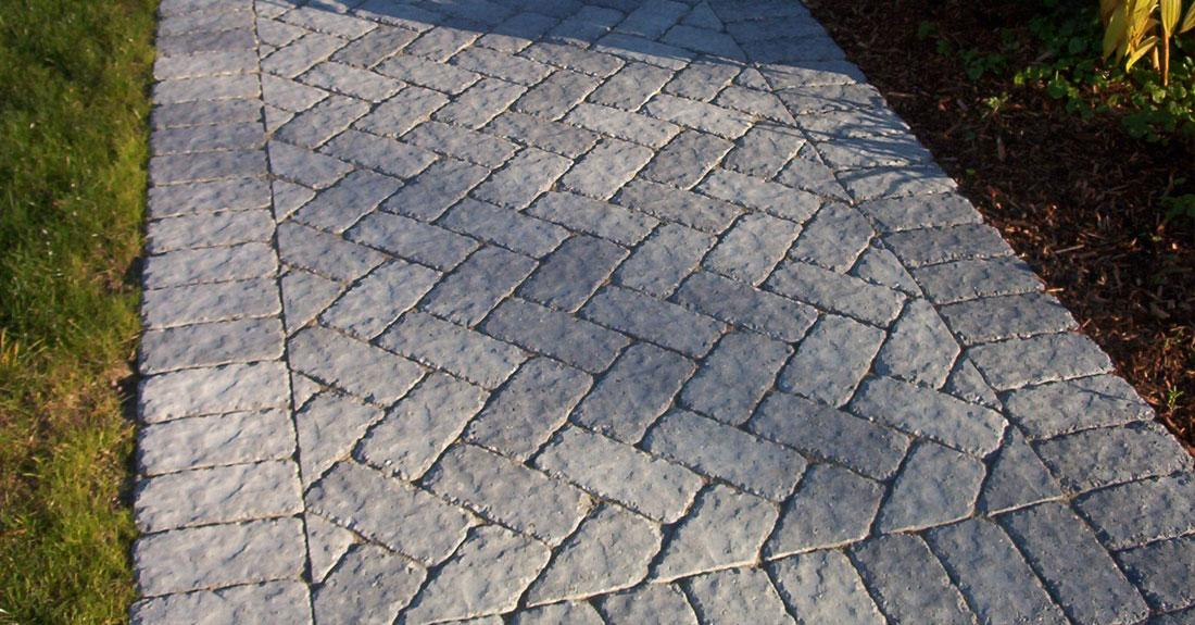 Brick Paver Calculator In Herringbone Pattern Combined With Stacked Bond  Pattern With Natural Stone For Pathways