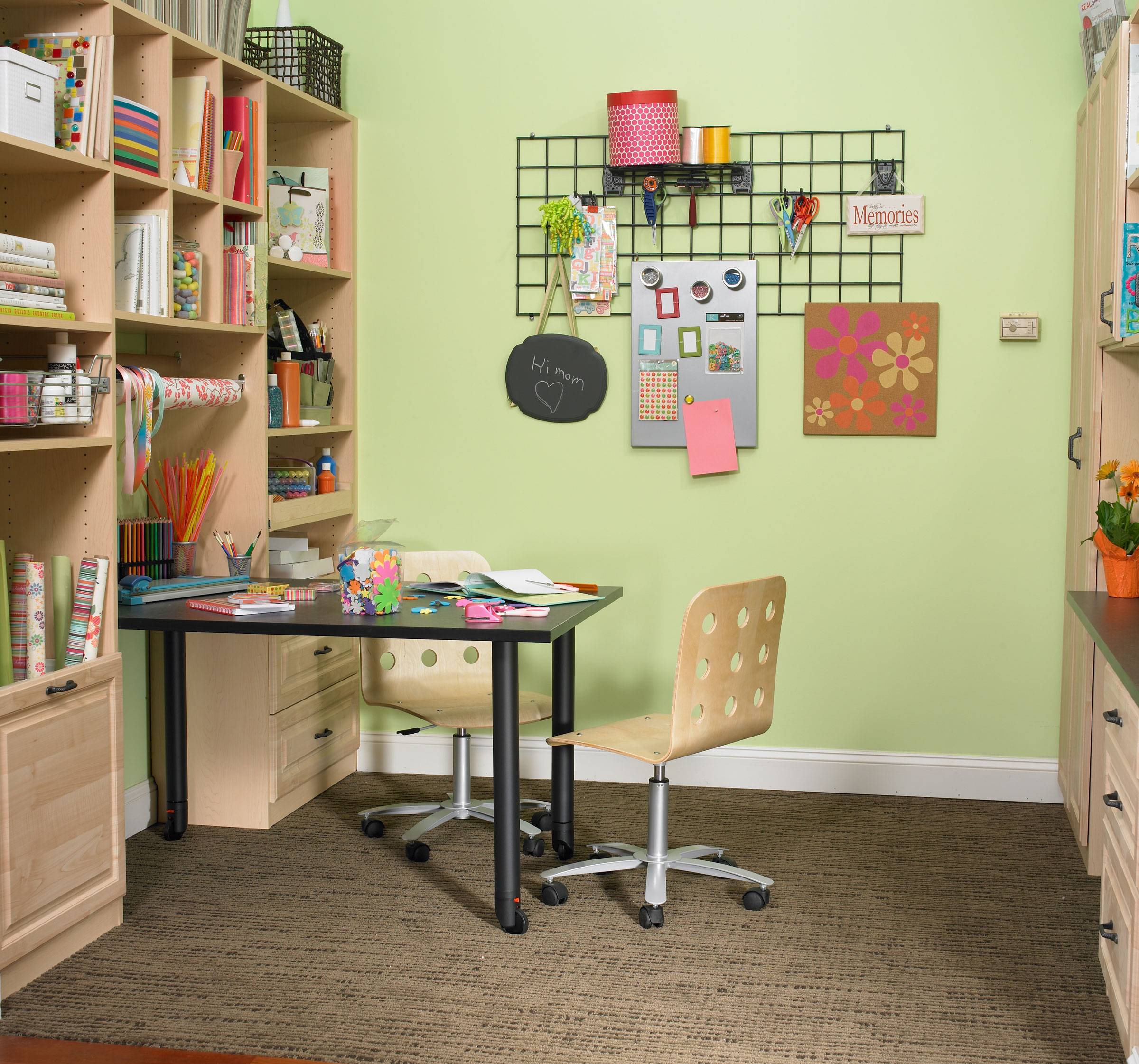Home office craft room design ideas homesfeed for House plans with craft room