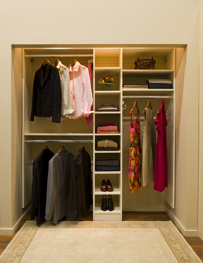 Easy Closet Organization Ideas For Small Closet With Hanging Rod Under The  Shelves And Bag Storage