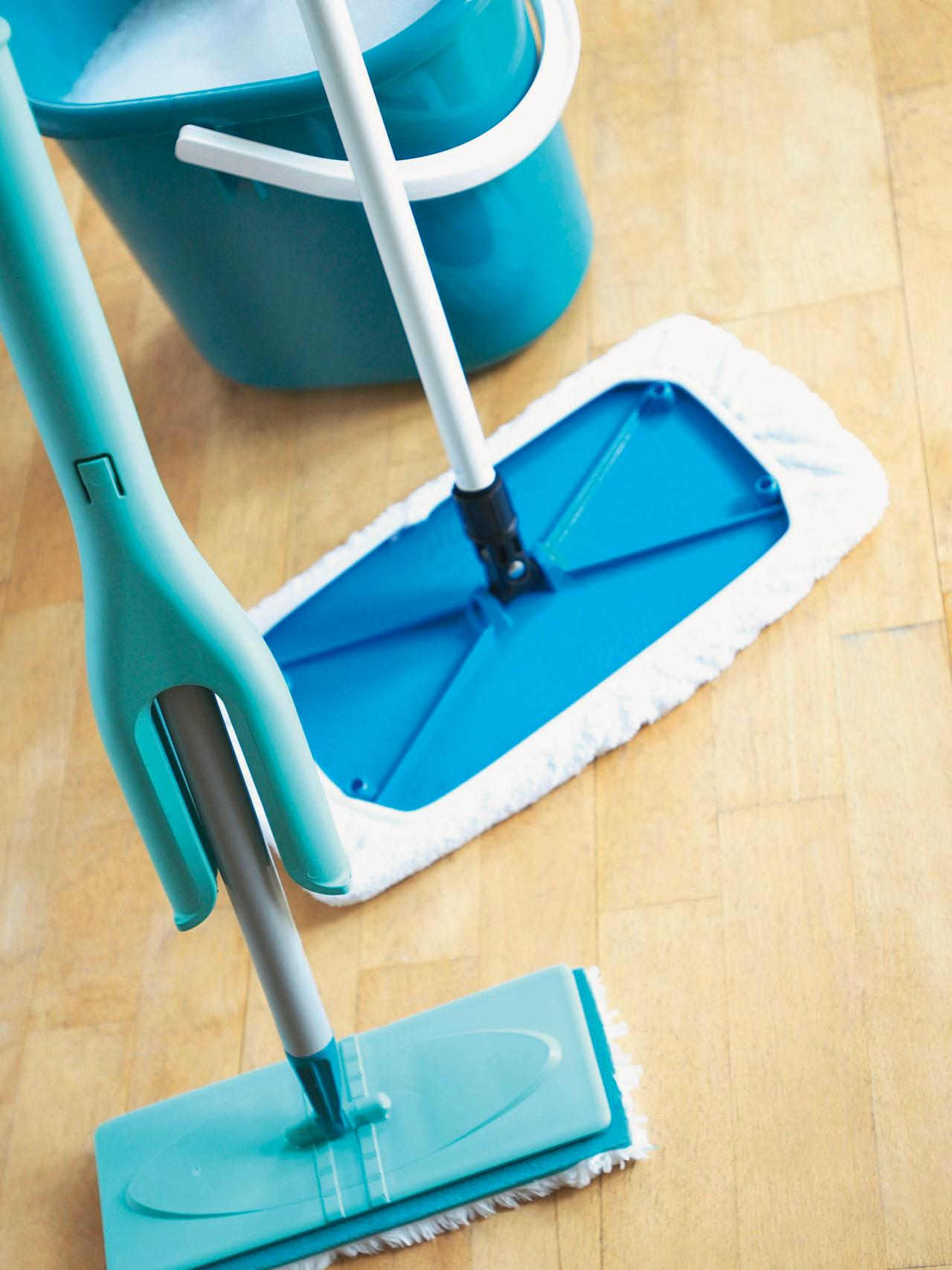 Lets Choose The Best Thing To Clean Hardwood Floor With Great - Easiest way to mop tile floors