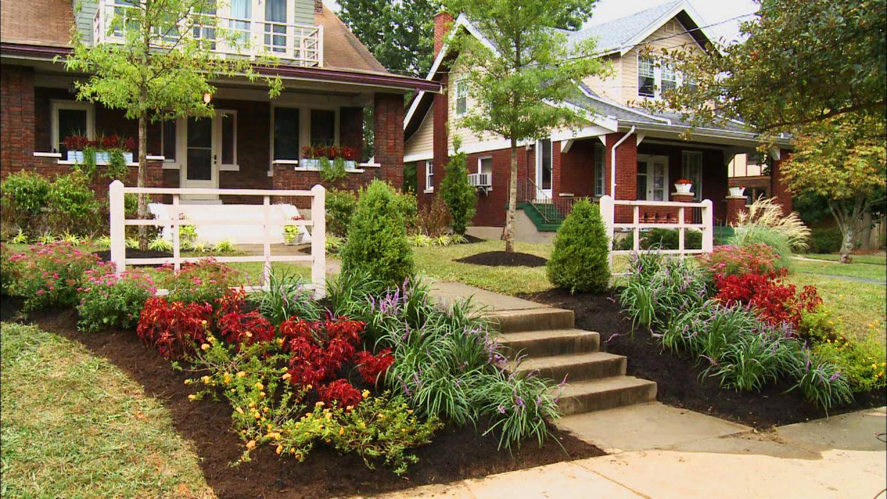 Inspiring landscaping ideas that create beautiful and for Plants for front of house ideas