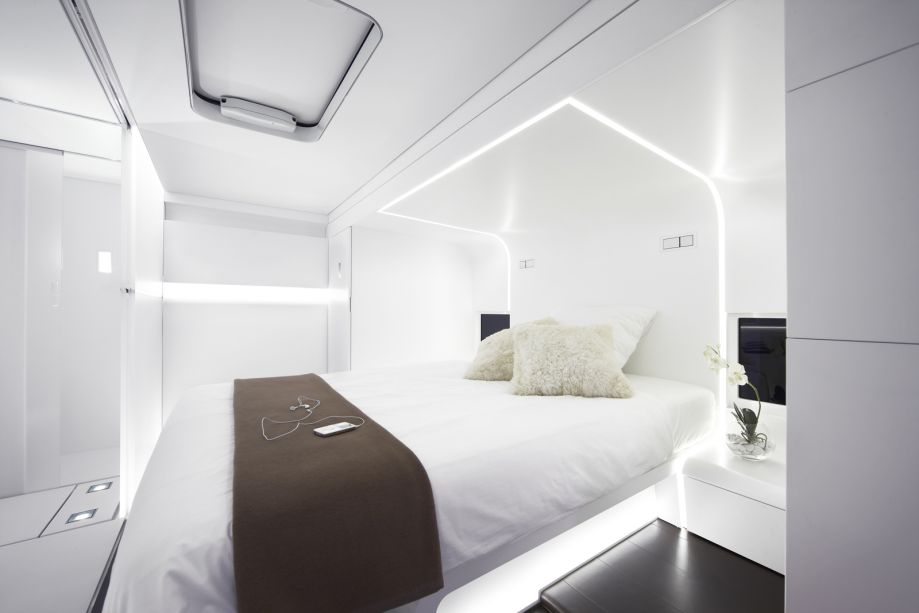 Modern Minimalist Bedroom For RV With Pure White Bedding Idea Brown Blanket Wool Pillows Bedside Table