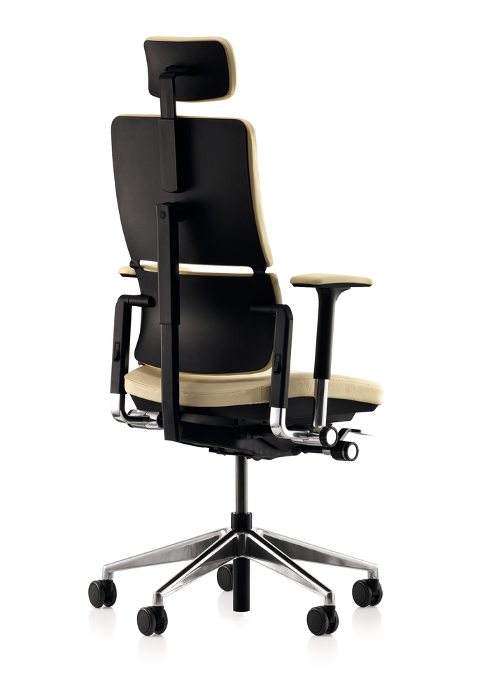 amia steelcase chair steelcase think chalk leather office chair u leap chair with headrest