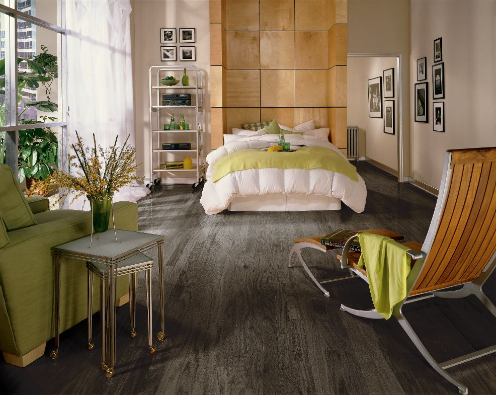 Most popular hardwood floor colors that make your floor for Hardwood floors in bedrooms