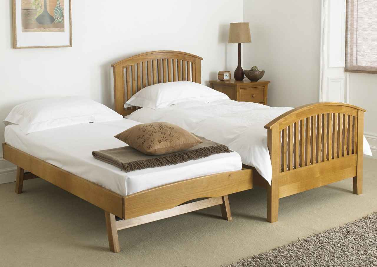 How To Transform Small Interior With Day Bed With Pop Up
