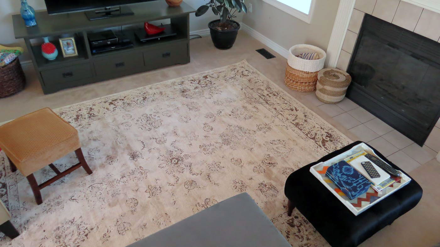 A Rug on Top Of Carpet That Will Give You a Cozy Conversation Zone ...