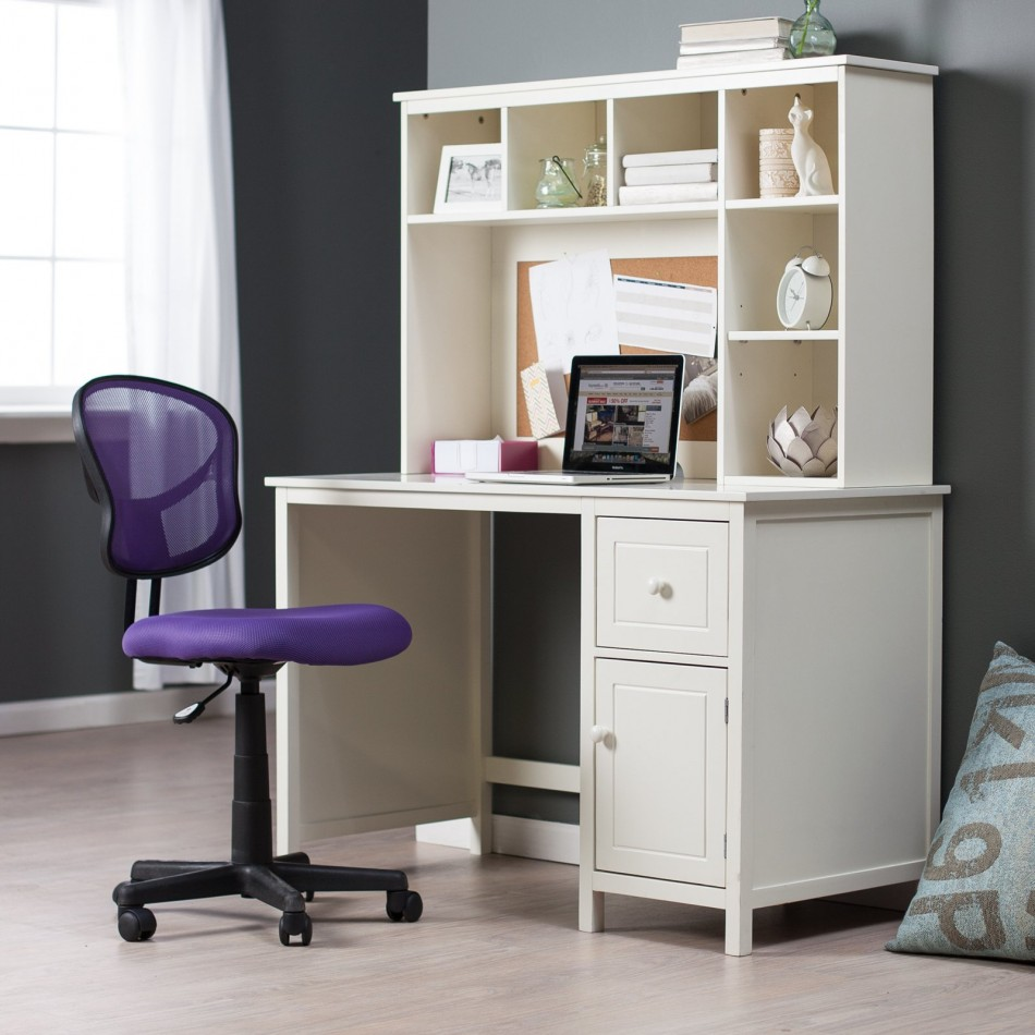 Get accessible furniture ideas with small desks for for Bedroom desk ideas