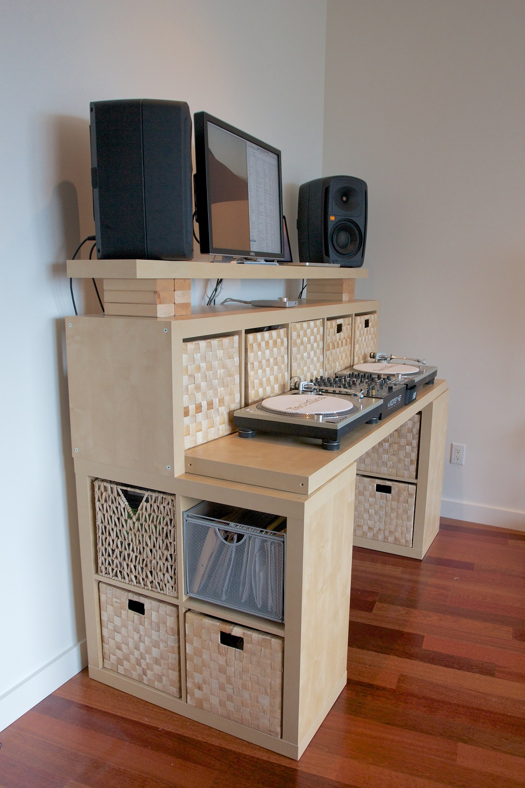 Make Your Own Standing Desk to Create High Comfort Working Nuance ...