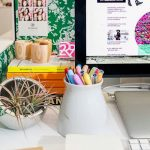 A Way Of Decorating And Organizing Office Desk