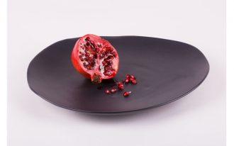 Black flat plate for dinner