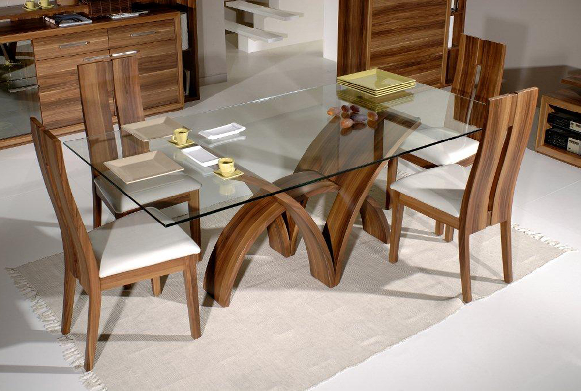 Gentil Frameless Glass Dining Table With Modern Rustic Wood Dining Chairs White  Linen Rug Idea For Dining