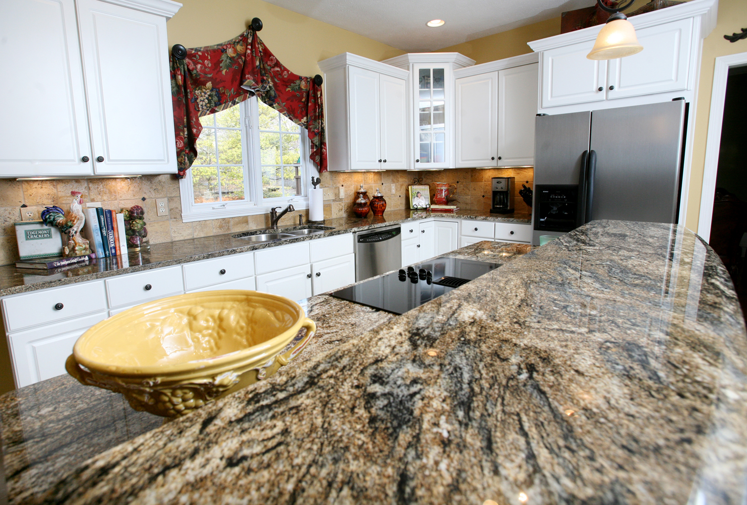 Gorgeous inspiring images of granite countertops homesfeed for Kitchen granite countertops colors