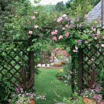 Green gate idea by Country Garden Magazine