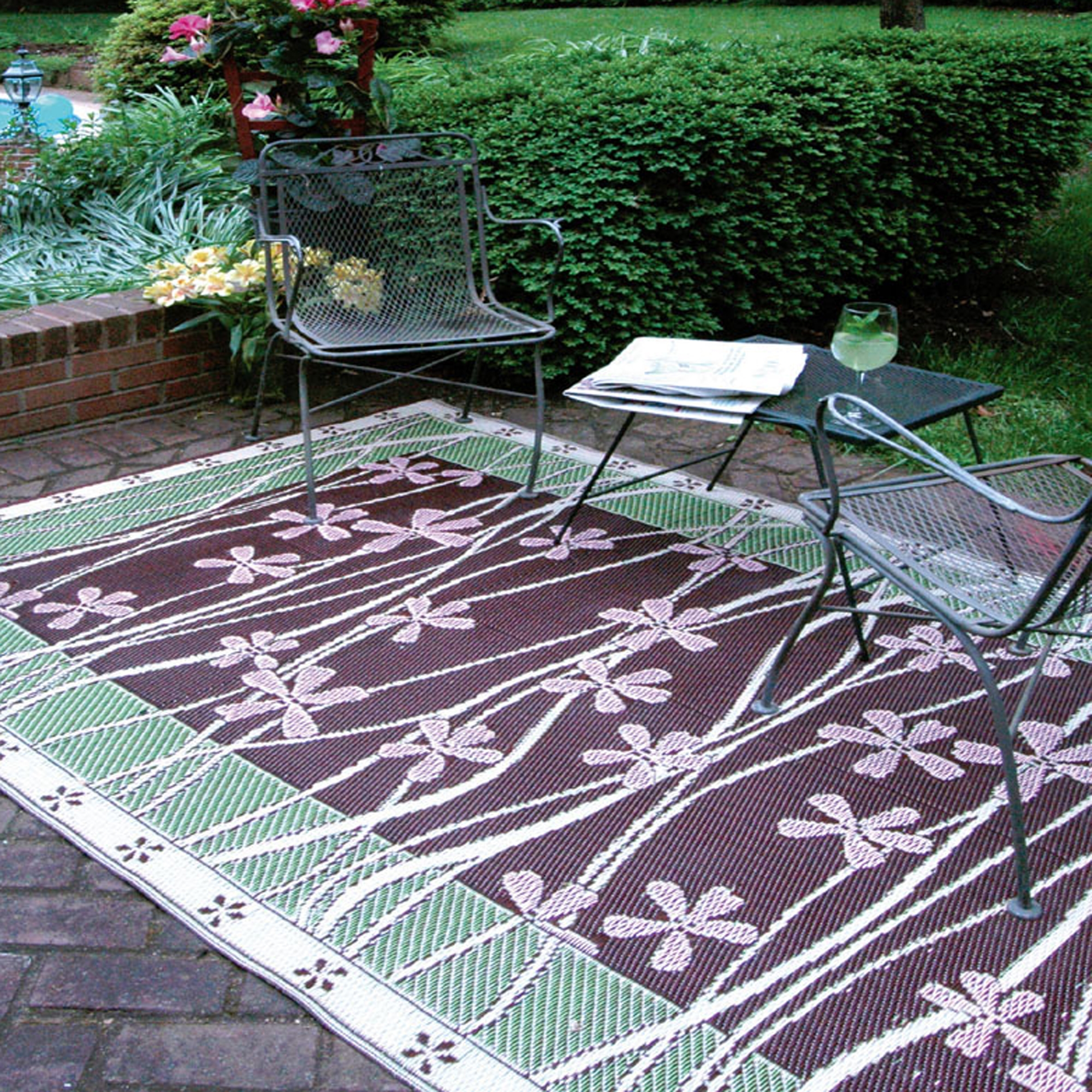 Plastic Outdoor Rug Mat: Recycled Plastic Outdoor Rugs: Environmentally Friendly
