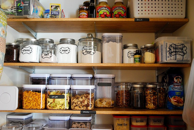 Organizing A Pantry in 5 Simple Steps | HomesFeed