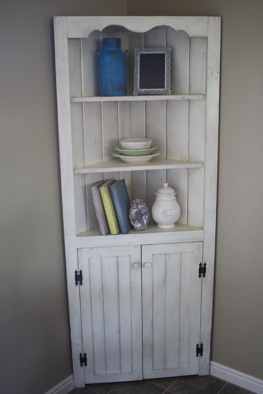 Shaby Chic Corner Hutch In White Color And Made Of Wood Planks
