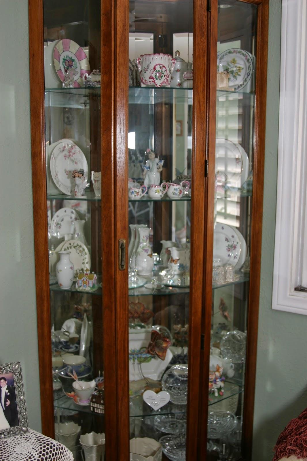 Corner Dining Room Hutch Storage Ideas