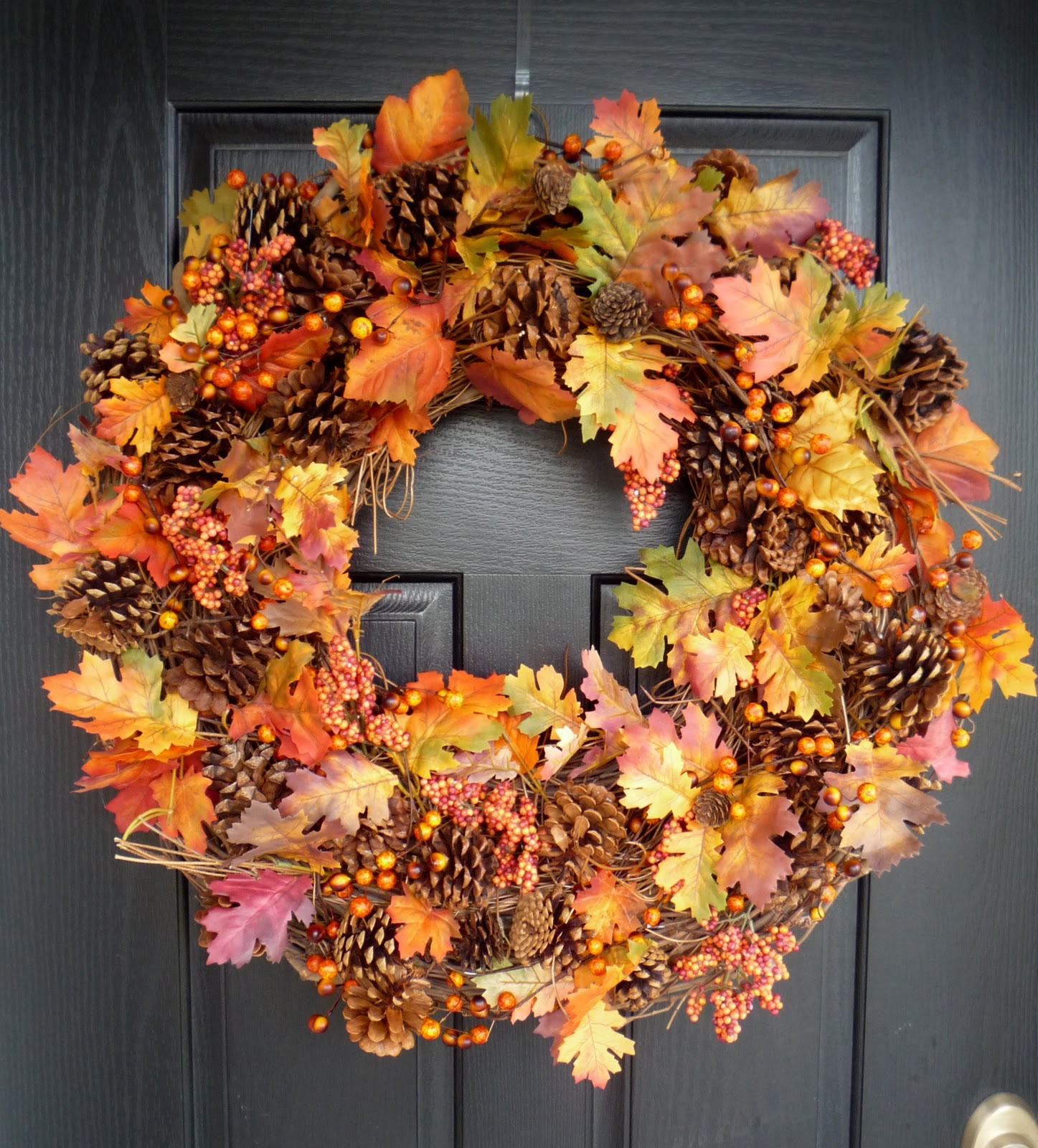 Thanksgiving decoration outdoor - Beautiful Wreath Design For Thanksgiving Decoration Outdoor With Fall Leave Domination With Fruit