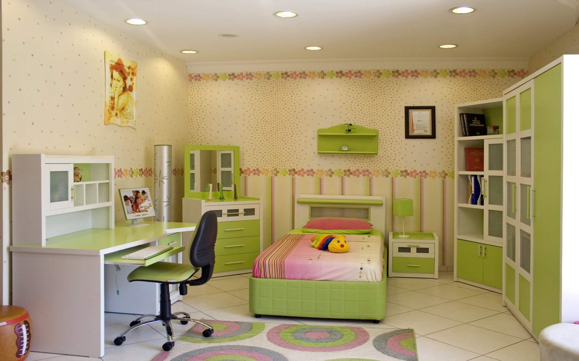 House design room - Bed Pillow Doll Cabinet Table Chair Rug Lamps Wallpaper