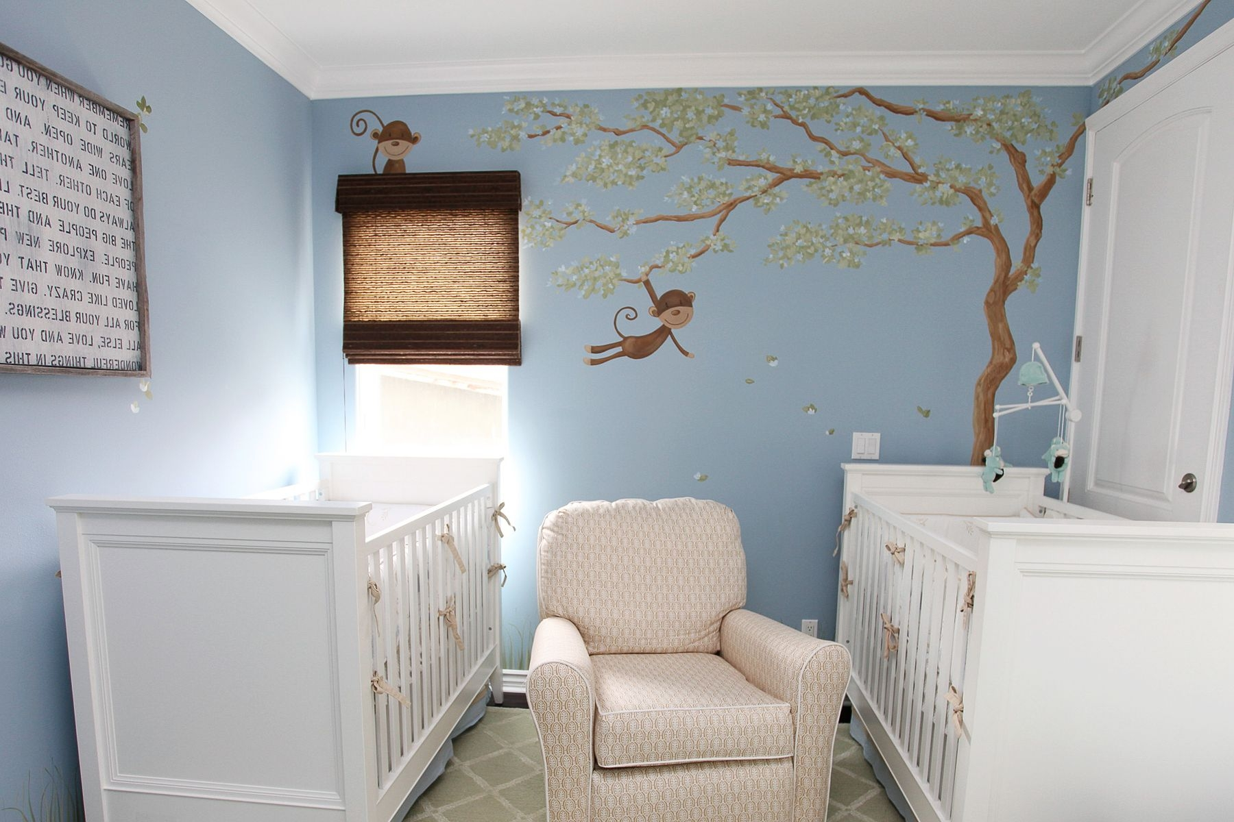 Bedroom mural design homesfeed for Baby room decor ideas neutral