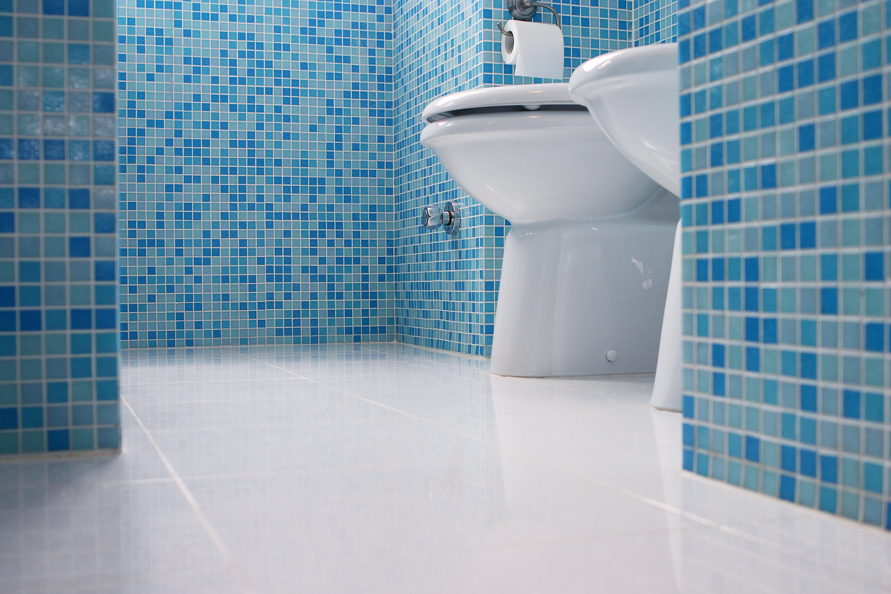 Ordinaire Best Way To Clean Tile Grout Clean Sleek Blue Tile Bathroom